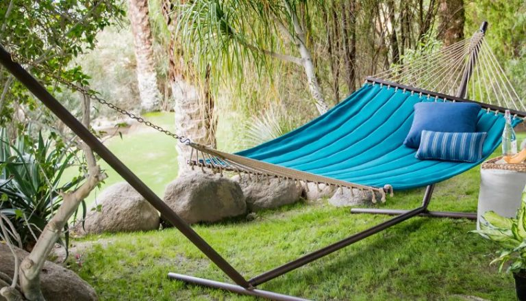 How to Choose a Hammock Stand?